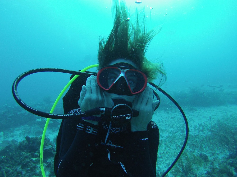 Maris Wicks scuba diving