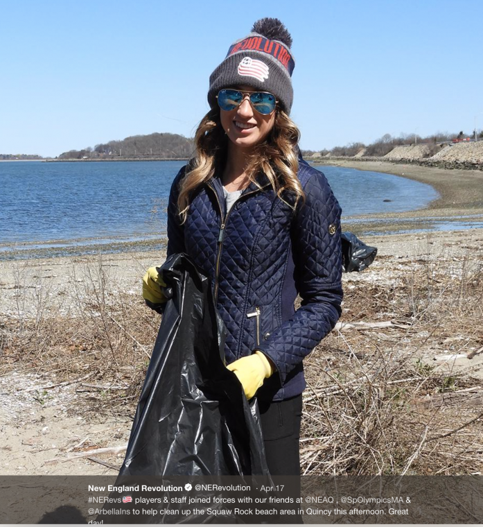 revolution players and front office staff, volunteers from Arbella Insurance and Special Olympics Massachusetts, and Aquarium volunteers and staff help clean a beach in Quincy