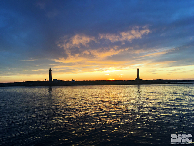 Sun sets over Thacher Island